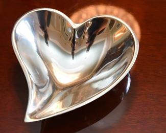 ITEM 32: Mariposa Heart Dish  $10