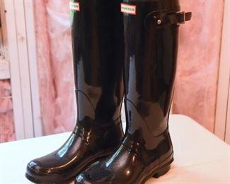 ITEM 100: Nearly New Hunter Original Tall Boots, Gloss Black, Size M8/W9  $70