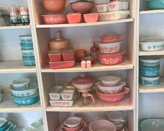 Pyrex over 400 pieces numerous patterns, NO Dishwasher damage