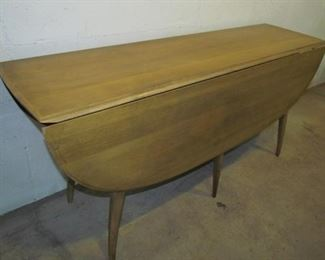 "auction1a  Heywood Wakefield table with leaf down.  Center section of top is 18"" wide."