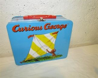 "Auction#5 -- children's lunchbox (w/o thermos) .. 6"" x 8"" --- good graphics."