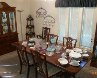 Table, 2 leaves, 8 chairs - also has matching China Cabinet