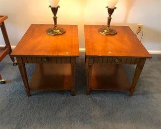 https://www.ebay.com/itm/114240035461BU1021: Tradional Sofa End Tables (2) Local Pickup Auction