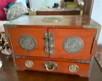 Asian style jewelry box