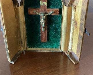 Portable antique crucifix in leather case