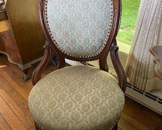 Beautiful carved mahogany parlor chair