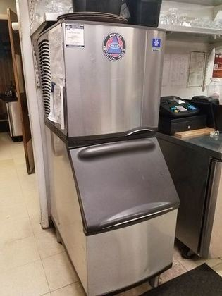 MANITOWAC COMMERCIAL ICE MAKER