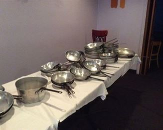STAINLESS/POTS/PANS