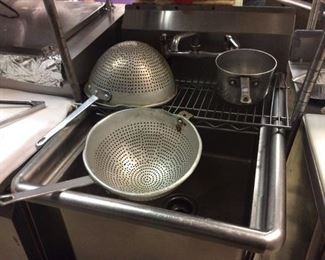 1 BAY STAINLESS SINK/SIFTERS