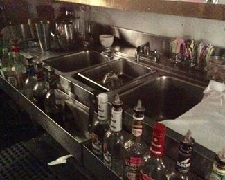 BAR 3 BAY STAINLESS SINK