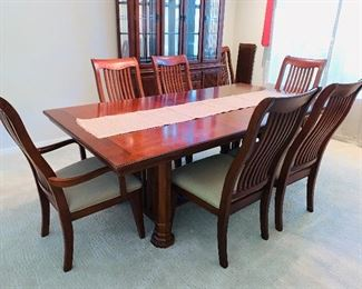 Dining table with 8 chairs, from North Carolina