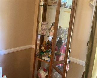 Curio cabinet $40