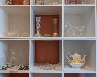 Assorted glassware and crystal