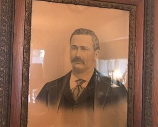 great frame and vintage picture