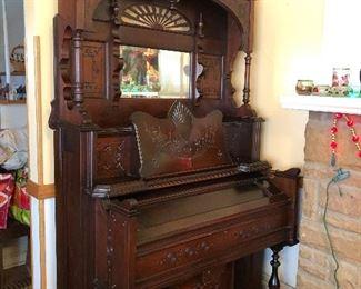 Pump organ—still works