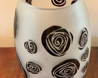 Frosted embossed Rose Glass Vase	10.5in H x 6in diameter (at widest)	HxWxD	AH107