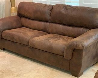 Ashley Furniture Signature Faux Leather Sleeper Sofa Couch	39x93x40in BED: 52x72	HxWxD	AH114