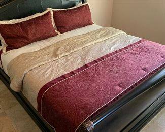 King Size Bedding			AH138