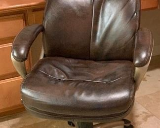 Eckert Bonded Leather Office Chair	46x27x31in	HxWxD	AH165