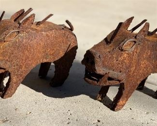 3pc Rustic Metal Javelinas	6.5x3x9in	HxWxD	AH176