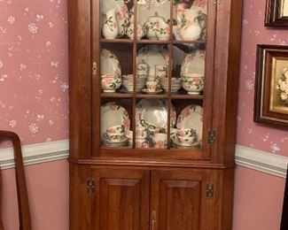 Henkel Harris Corner Cabinet (older version - no light)