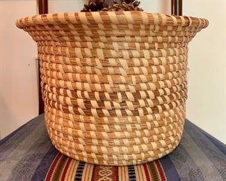 Charleston BASKETS!This family collected only the finest basketry made! Perfect for the FOLK ART GULLAH collector.  It would look fantastic in just about any home. It would make a fine addition to your decor, folk art or pine-needle accessories collection, to use or to give as a gift!