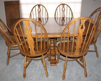 """Round (44"""")Oak Pedestal Table w/2 - 20"""" Leaves and 6 Fiddle-Back Windsor Chairs"""