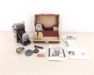 MINT Condition Polaroid Model 80B Land Camera