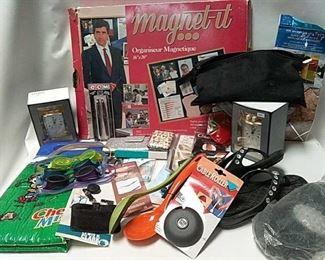 https://connect.invaluable.com/randr/auction-lot/magnet-it-organizer-quartz-clocks-kitchen-i_77F4C6682D