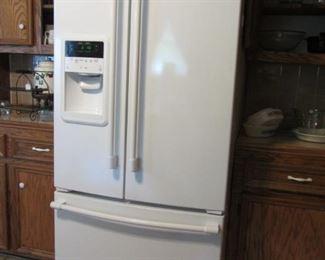 Like new Maytag French Door Refrigertor