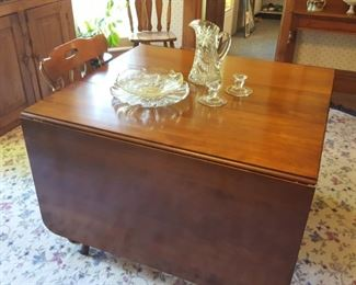 Drop leaf cherry table with two additional leaves