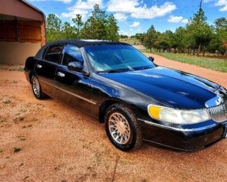 2000 Lincoln Towncar