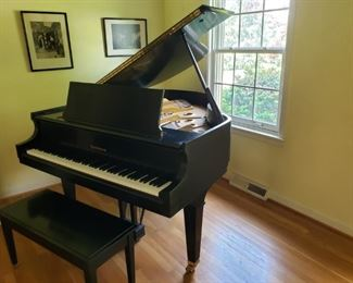 001 Baldwin Baby Grand Prix Piano
