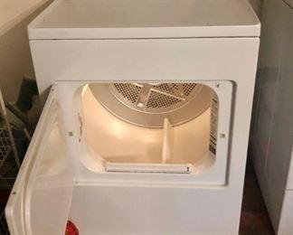 $100 - Fridgidaire Dryer; Good Working Condition