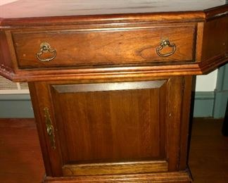 $250- Pennsylvania House Oak Wood Nightstand