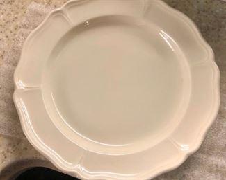 $50 - Wedgewood Queens Shade, 10 dessert plates, 7 lunch plates, 9 dessert bowls
