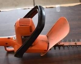 "Black & Decker 16"" Hedge Trimmer 