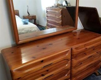 shockey dresser and matching mirror