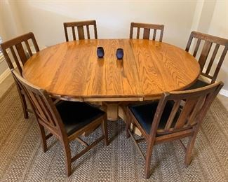 $475 OBO~ WALTER AND WABASH ANTIQUE OAK TABLE AND SIX CHAIRS.  TABLE OR  CHAIRS CAN BE SOLD SEPARATELY
