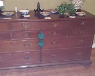 Mahogany craftique chest