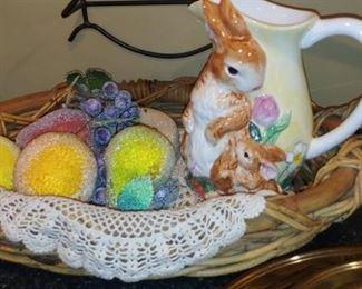 Bunny rabbit pitcher