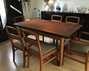 Deco dining table with leaves at either end. 6 chairs