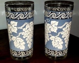 Vintage Glassware Set Anchor Hocking Blue and White Grape Pattern $35.00 For appointment please call (760)662-7662
