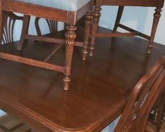 Vintage Dining Room Table with 6 chairs and 2 leads $150.00 For Appointment Please Call (760)662-7662  or Email tanya@crowncityestatesalebytanya.com