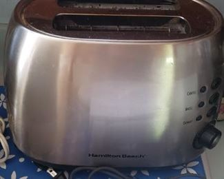 Hamilton Beach Toaster $10.00 For Appointment Please Call (760)662-7662  or Email tanya@crowncityestatesalebytanya.com