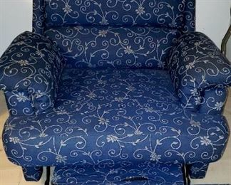 Recliner Chair $40.00 For Appointment Please Call (760)662-7662  or Email tanya@crowncityestatesalebytanya.com