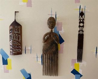 i threes wooden African artifacts $ 85.00