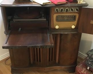 Vintage record player and stereo with radio - excellent condition but needs new wiring