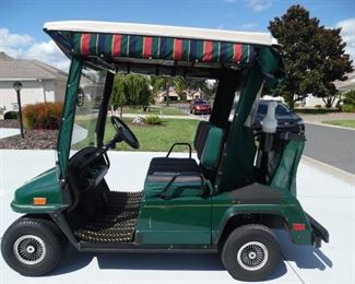 Par Car Golf Cart in great condition. Batteries were new last year