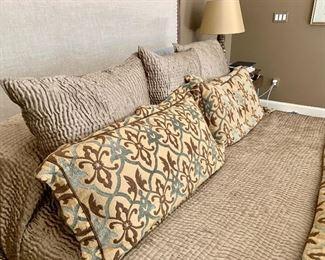 2 King Pillow Shams (Euroshams not for sale)